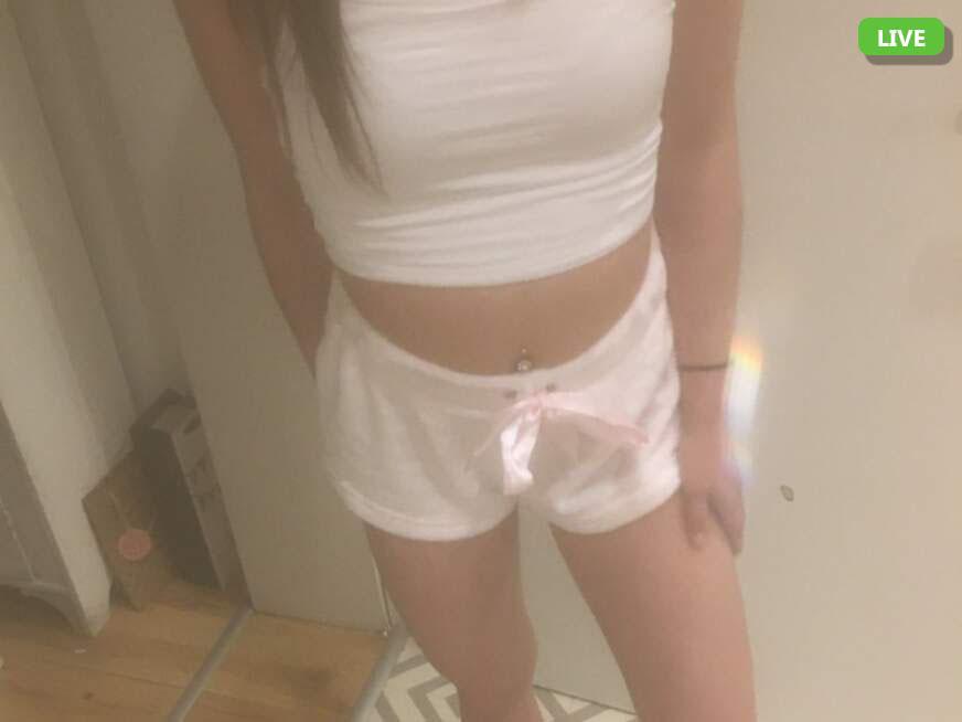 Junge Teen Girl im Live Nackt Chat mit Cam